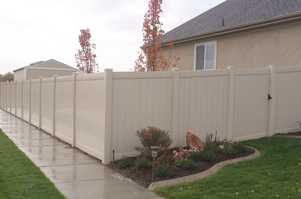 Gorgeous Tan Vinyl Fence Privacy Fence Vinyl Fencing Installation In Loveland Northern