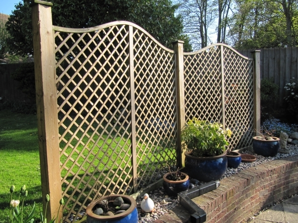 Inspiring Decorative Garden Fencing Choosing Garden Fences Inmyinterior