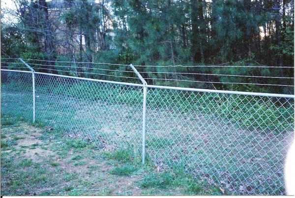 Picture of Chain Link Fence Tension Wire Chain Link Fences