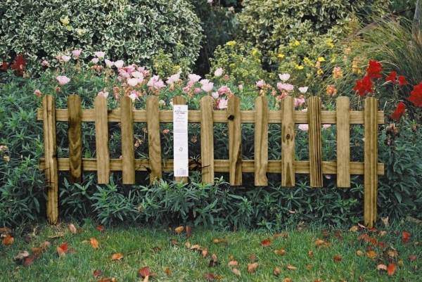 Stunning Wood Garden Fence Garden Fence Ideas That Elevate Your Homes Home Decorating Tips