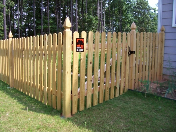 Inspiring Best Privacy Fence How To Choose The Best Of Wood Fence Designs New Home Designs
